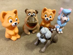 VINTAGE OLIVER & COMPANY HAPPY MEAL TOYS FINGER PUPPETS AND SHEEP DOG FROM 101 DALMATIANS for Sale in Mission Viejo, CA
