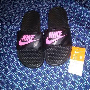 Women's Nike Slides Black/ Pink, Size 8 for Sale in Oklahoma City, OK