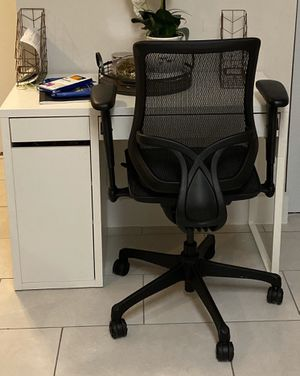 Desk and Chair for Sale in Homestead, FL