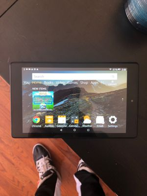 Kindle Fire HD 8 16GB w/32 Micro SD for Sale in Seattle, WA