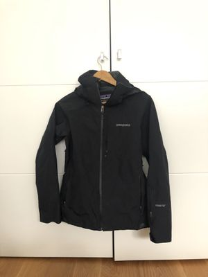 Women's Patagonia Waterproof GORE-TEX Jacket for Sale in Brooklyn, NY