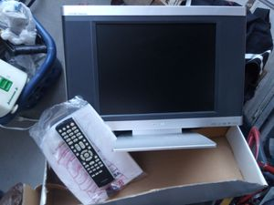 """Toshiba - 15"""" LCD TV/DVD Player Combo Model:15DLV76 for Sale in Surprise, AZ"""