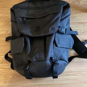 Chrome Industries Pike Backpack Like new condition, Never Used Without Tags for Sale in Ridgefield, WA