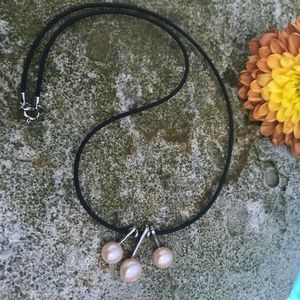 3 pearl necklace on a leather code for Sale in GRANT VLKRIA, FL