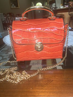 Beautiful orange red textured bag for Sale in Tampa, FL