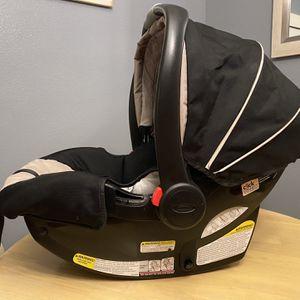 GRACO SNUGRIDE 35 Base & Car Seat (click connect) for Sale in Orlando, FL