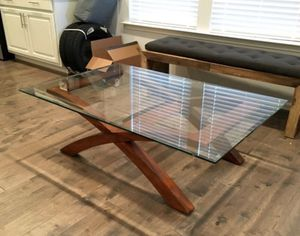 Modern Glass Coffee Table for Sale in Morrisville, NC