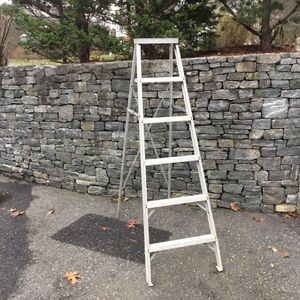 """Aluminum step ladder 5'6"""" for Sale in Concord, MA"""
