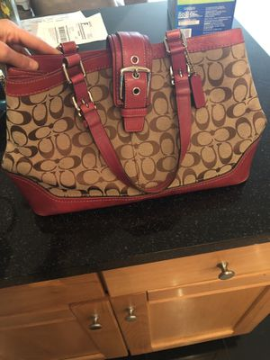 Magenta and tan coach purse for Sale in Cleveland, OH