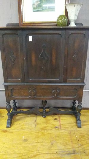 Antique Cabinet for Sale in Fairview, TX