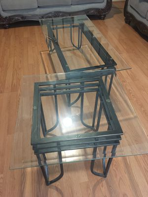 Coffee table and corner tables for Sale in Modesto, CA