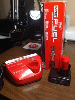"""M12 MILWAUKEE 3/8"""" RATCHET KIT for Sale in Woodburn,  OR"""
