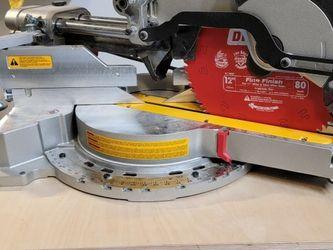 Dewalt DWS780 Miter Saw for Sale in Renton,  WA