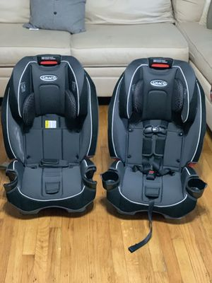Graco Slim Fit All In One Convertible Car Seats o.b.o for Sale in Naugatuck, CT