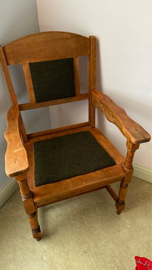 Wooden Chair for Sale in Reedley, CA