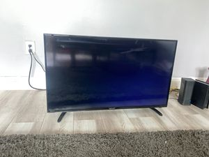 32 Inch Roku TV for Sale in Los Angeles, CA