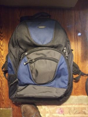TOSHIBA large laptop back pack for Sale in Toledo, OH