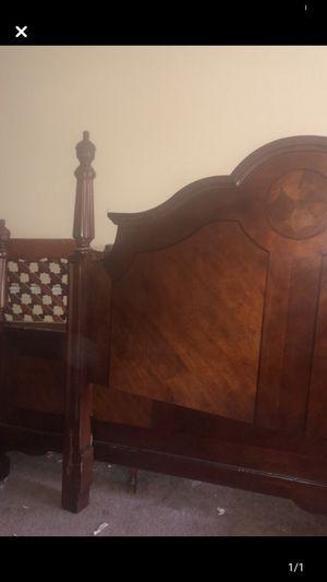 Head & foot board for Sale in Southaven, MS