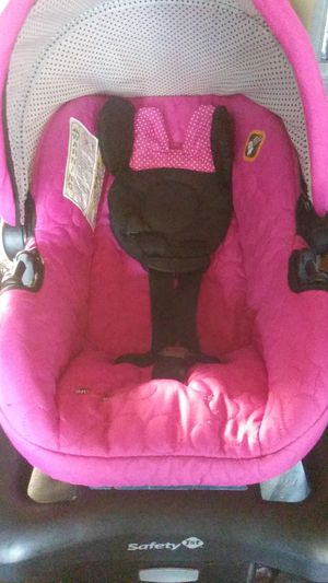 Minnie mouse car seat for Sale in Yorba Linda, CA