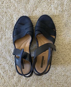 COLLECTIONS BY CLARKS WOMENS SANDALS for Sale in Los Angeles, CA