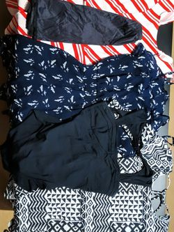 FREE Women's Clothing PENDING PICKUP for Sale in Beaverton,  OR