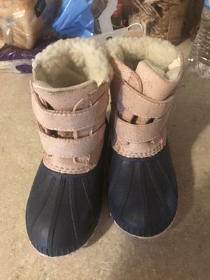 Brand new size 9 toddler girls snow boots OldNavy for Sale in East Providence, RI