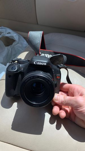 Canon EOS rebel t2i camera for Sale in Westminster, CA