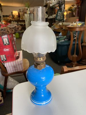 Small vintage oil lamp for Sale in Pevely, MO