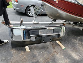 2018 2500 chrome bumper for Sale in Morris,  IL