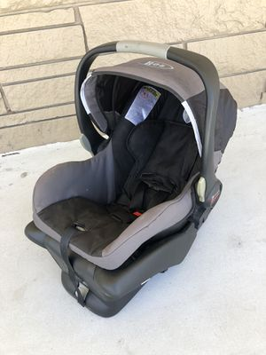 BOB Britax B-Safe Car Seat & Base for Sale in West Palm Beach, FL