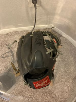 Baseball glove used 1 season of college baseball. Perfectly broken in great shape. for Sale in Austin, TX