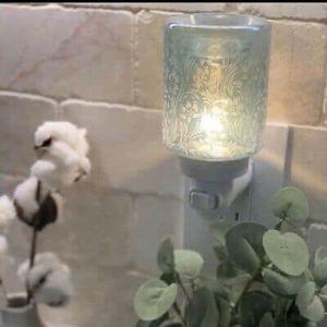 Lily Garden scentsy warmer for Sale in Whittier, CA