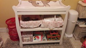 White changing table for Sale in Miami, FL