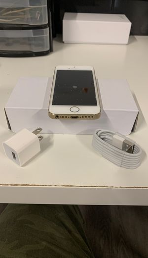 iPhone 5 S UNLOCKED Gold for Sale in Hollywood, FL