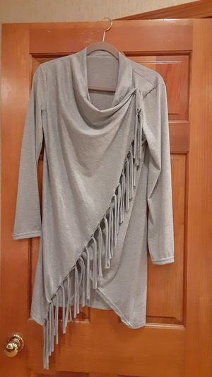 (M) long grey top for Sale in Overland Park, KS