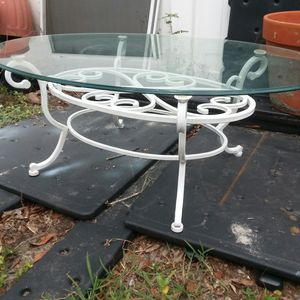 Oval coffee table for Sale in Orlando, FL