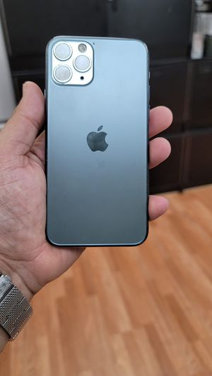 """iPhone 11 pro 64GB FACTORY UNLOCKED"""" Like new with warranty for Sale in Silver Spring, MD"""