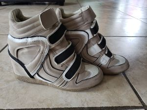 Womans sneaker boots for Sale in San Antonio, TX