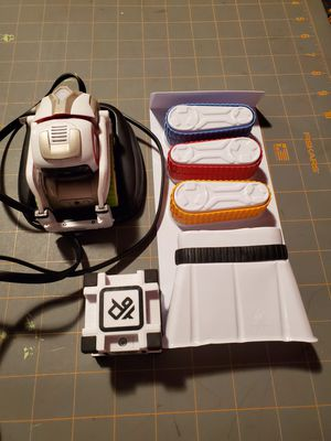 Cosmo robot with additional treads for Sale in Fort Worth, TX