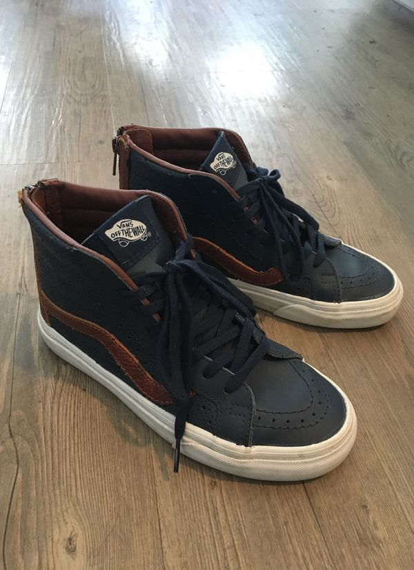 Vans Perforated Leather Size W6