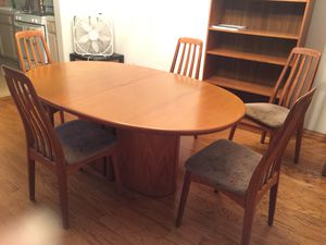 Solid Oak Dining Table with 5 Chairs for Sale in Santa Monica, CA