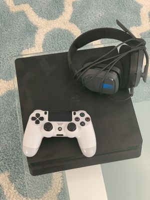 PlayStation 4 w/ accessories for Sale in Hagerstown, MD