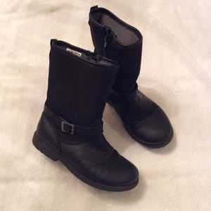 Toddler girl boots for Sale in Tewksbury, MA
