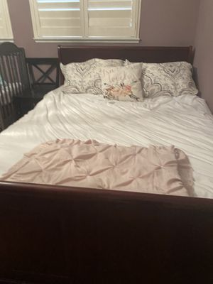 Queen sleigh bed for Sale in Fairfield, CA