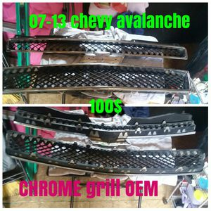 2007- 2013 chevy avalanche & tahoe chrome grill for Sale in Austin, TX