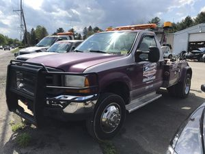 2000 ford f450 wrecker. for Sale in Gilbert, PA