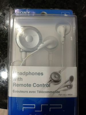 SONY Headphones with Remote control for Sale in Daniels, MD