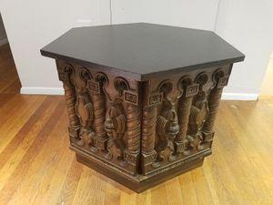 Beautiful end table for Sale in Woodbridge, VA