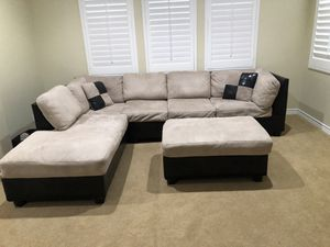 Very pretty & comfortable sectional sofa with 2 pillows and ottoman. for Sale in Chino Hills, CA
