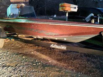 Ol Bass Boat Ran Last Year for Sale in Spartanburg,  SC
